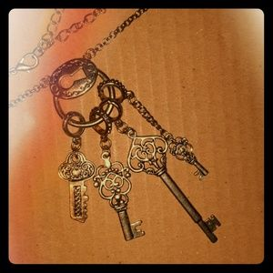 Jewelry - Unique Key Charm Charm Necklace Choker